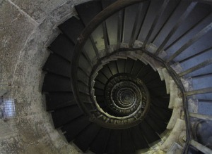 metal-and-stone-spiral-staircase